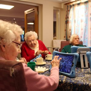 Older people get creative with iPads